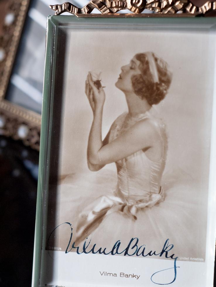 Vilma Banky Autographed Postcard