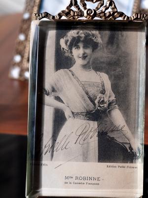 Gabrielle Robinne 1914 Autographed Postcard