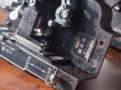 Elmo Yakushin-Go 16mm-8mm Dual Projector 12
