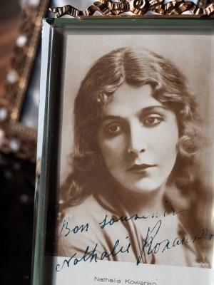 Nathalie Kovanko 1920s Autographed Postcard