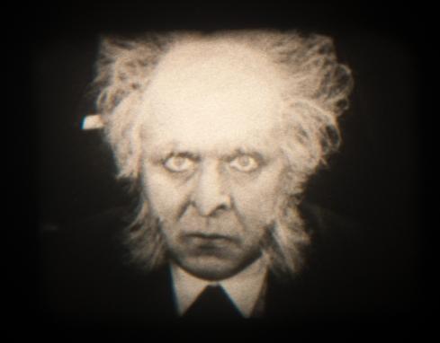 Dr. Mabuse-3 01