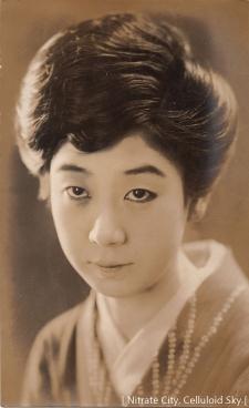 Kawada-Yoshiko (4)