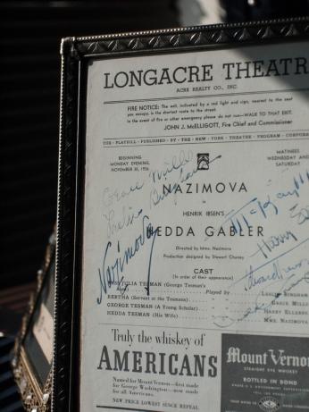 1936年、アラ・ナジモヴァ主演舞台劇『ヘッダ・ガブラー』 出演者寄せ書き