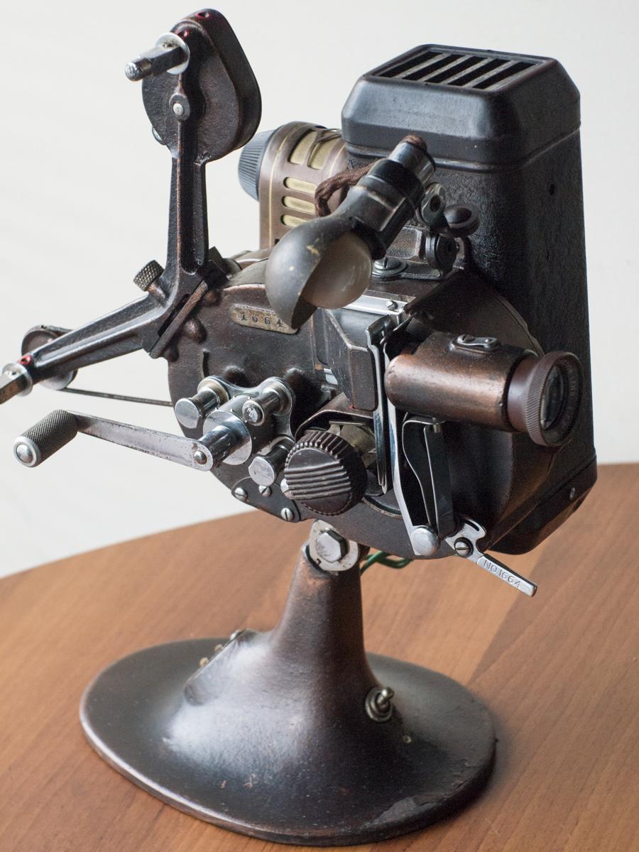 六櫻社 さくらスコープ 16mm サイレント映写機 00