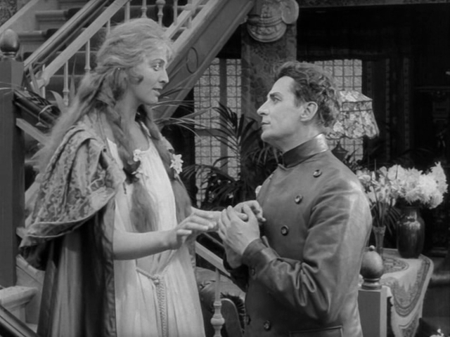 Lilly Jacobson & Gunnar Tolnaes in Himmelskibet (1918)