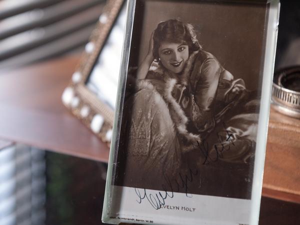 Evelyn Holt Autograph/Autogramm/Autographe/Autografo