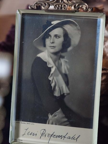 Leni Riefenstahl Autograph/Autogramm/Autographe/Autografo