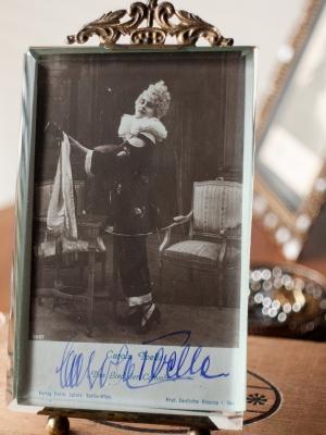 Carola Toelle Autographed Postcard