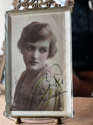 Gladys Cooper 1919 Autographed Postcard