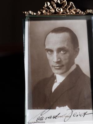 Conrad Veidt Autographed Postcard