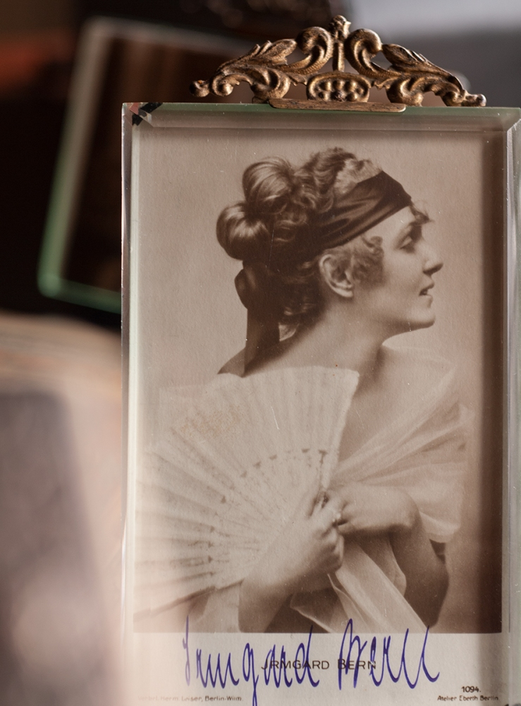 Irmgard Bern c1920 Autographed Postcard