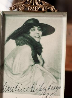 Leontine Kühnberg 1921 Autographed Postcard