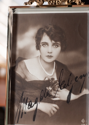 Magda Elgen c1920 Autographed Postcard