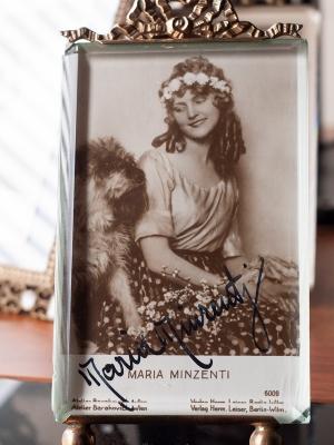 Maria Minzenti (Mindzenty) c1920 Autographed Postcard