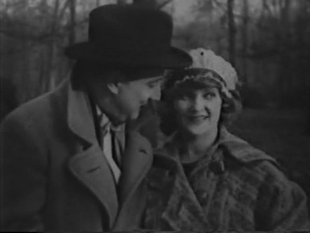 Maria Minzenti in Die Villa im Tiergarten (1927)