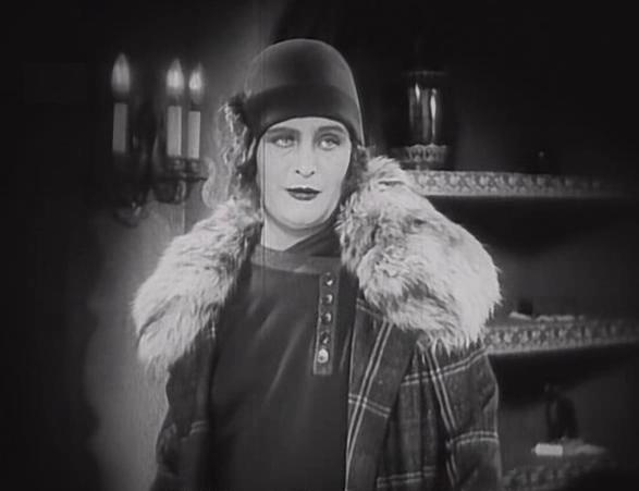 『グリーンアレイ』(1928年)でのマリア・レイコ