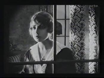 Peggy Longard in Unheimliche Geschichten (1919)