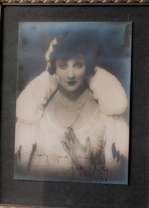Betty Blythe 1928 Autographed Photo