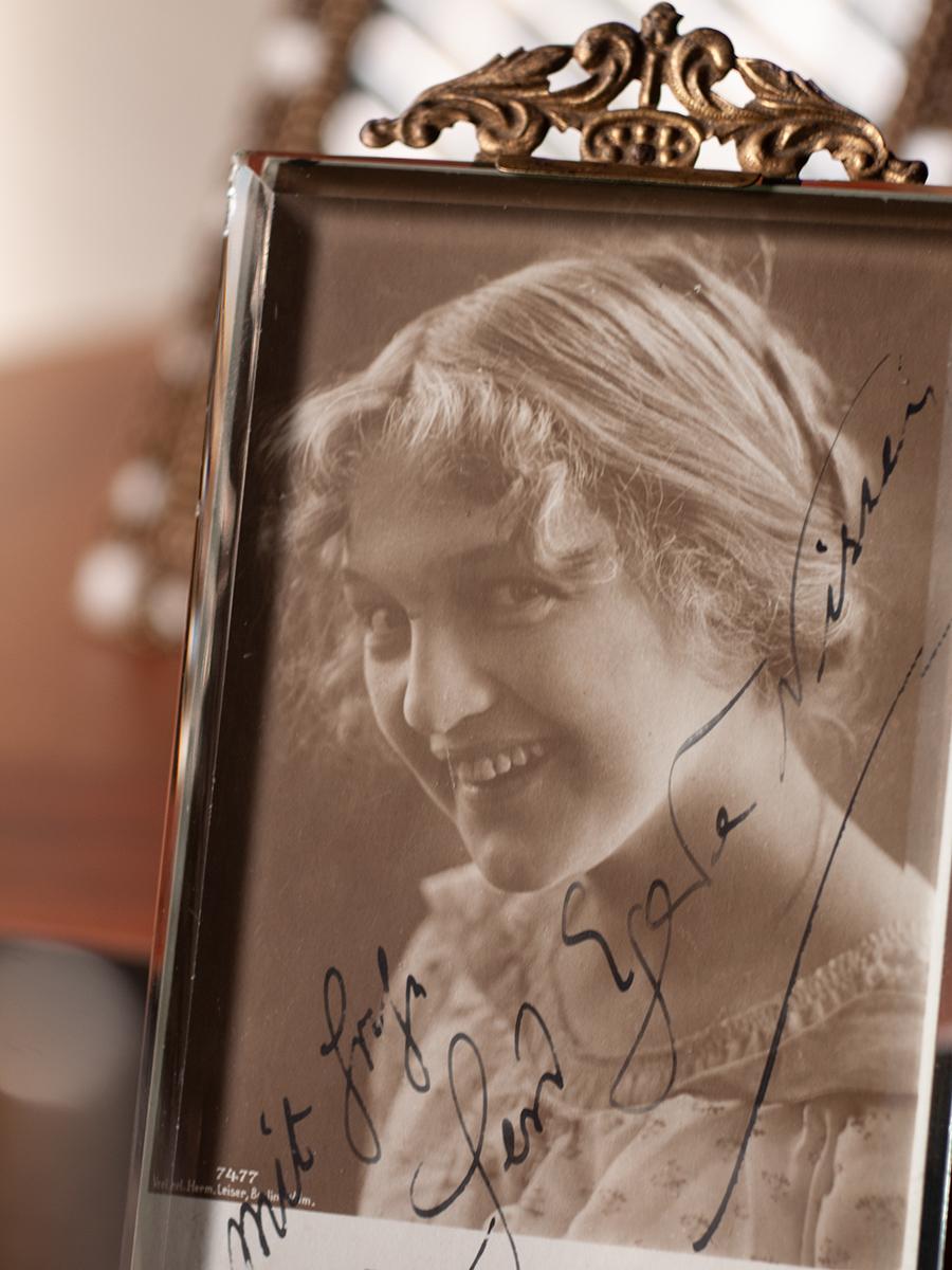 Gerd Egede-Nissen Autographed Postcard
