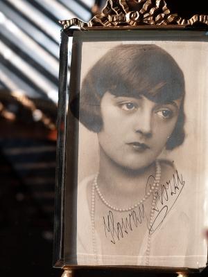 Ilosvay Rózsi Autographed Postcard