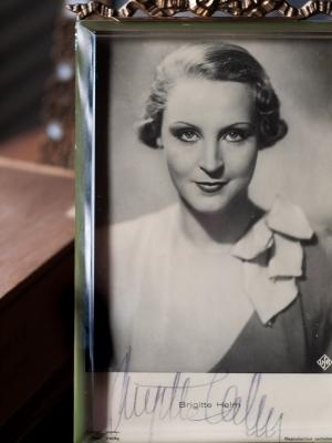 Brigitte Helm Autographed Postcard