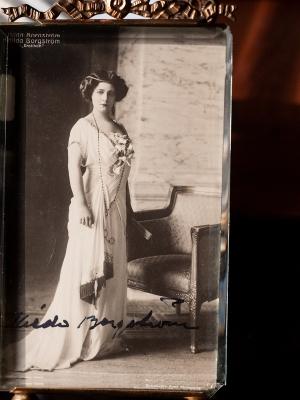 Hilda Borgstorm Autographed Postcard