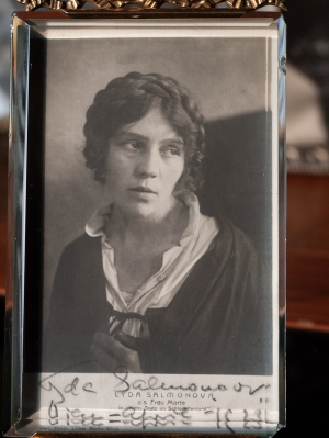 Lyda Salmonova 1923 Autographed Postcard