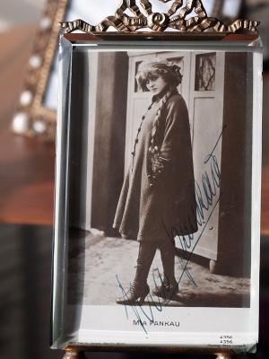 Mia Pankau Autographed Postcard