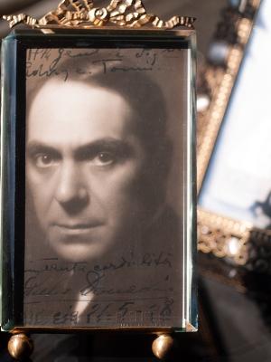 Giulio Donadio Autographed Postcard