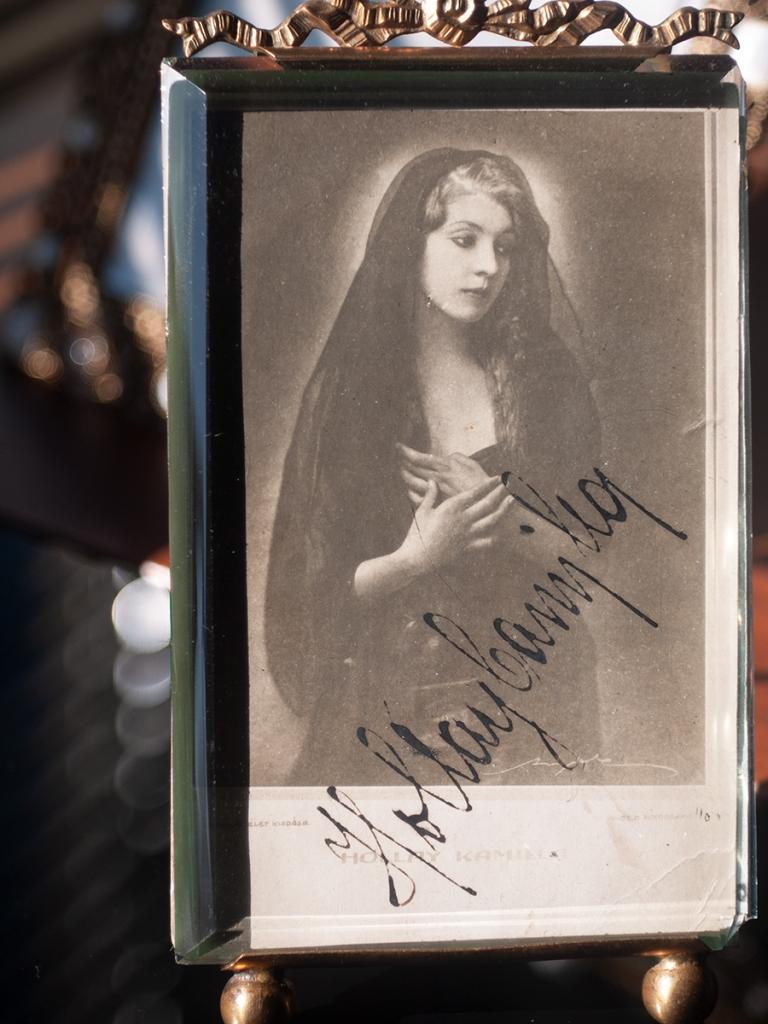 Hollay Kamilla 1910s Autographed Postcard