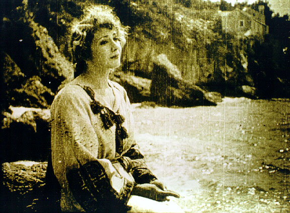 Hollay Camilla in Afrodite (1918)