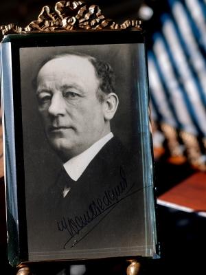 Ivan Hedqvist c1920 Autographed Postcard