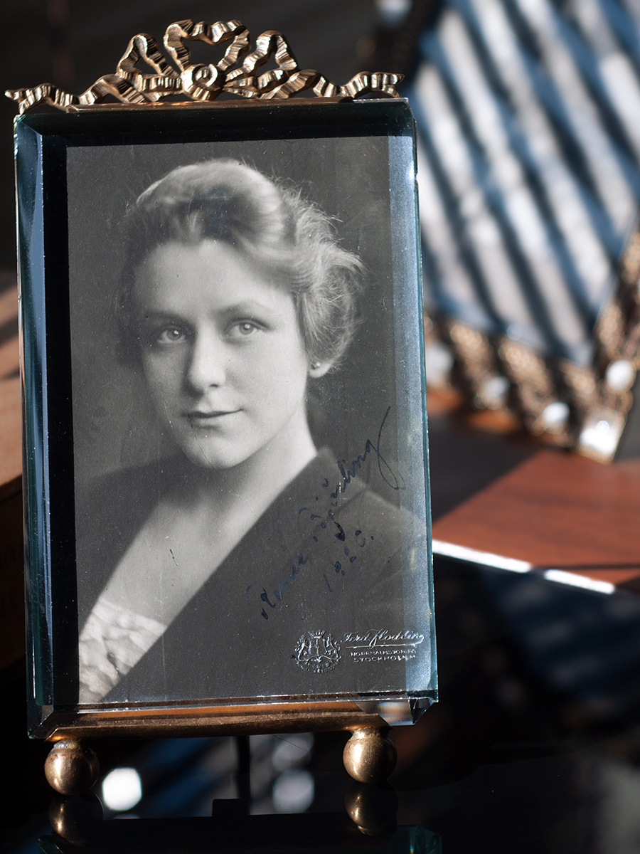Renee Bjorling 1920 Autographed Postcard