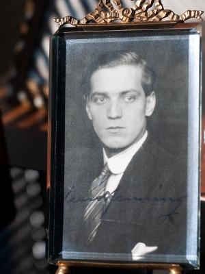 Uno Henning c1920 Autographed Postcard