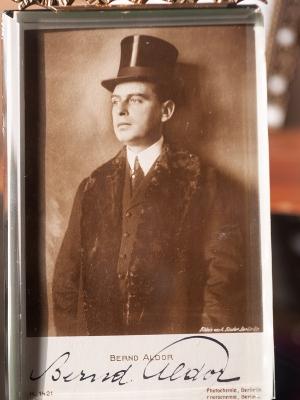Bernd Aldor c1920 Autographed Postcard