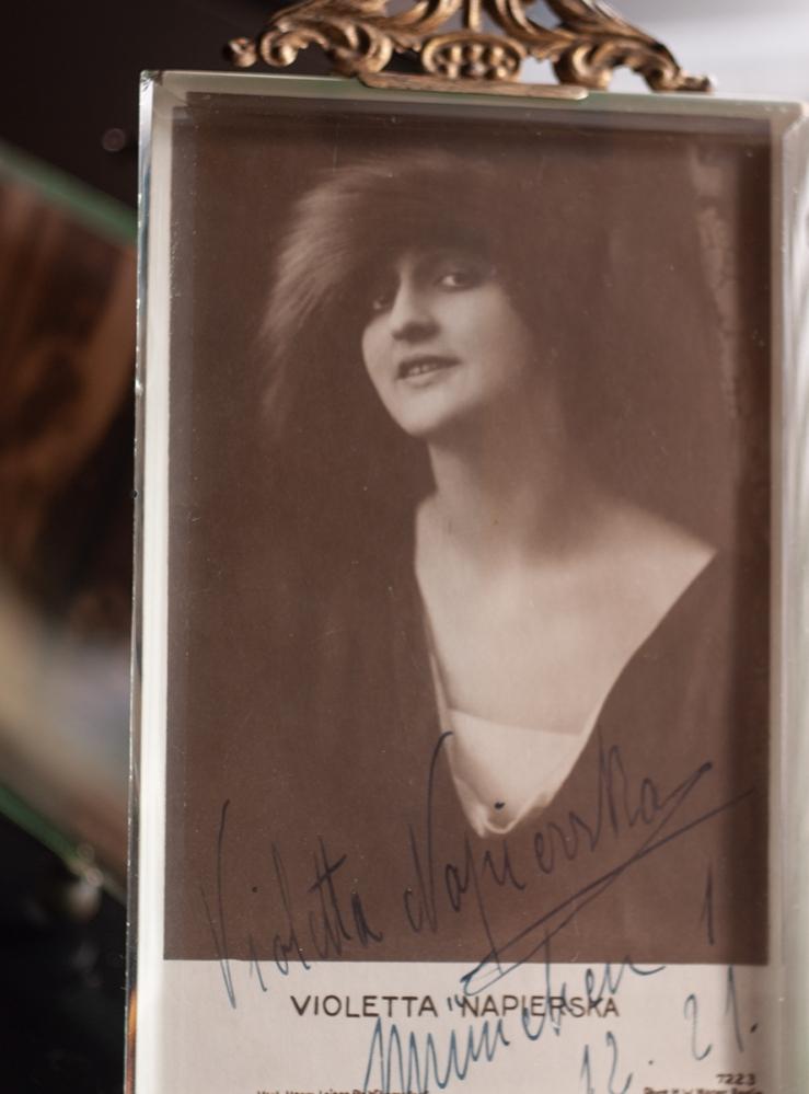 VIoletta Napierska 1921 Autographed Postcard