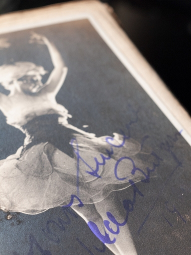 Hilda Butsova Autographed Postcard