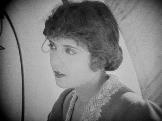Lois Wilson in The Covered Wagon (1923)