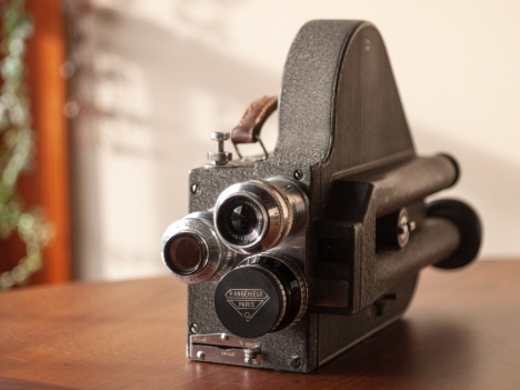 late1950s-pathe-webo-m-9-5mm-movie-camera01