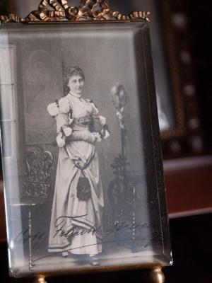 Lotte Medelsky Autographrd Postcard