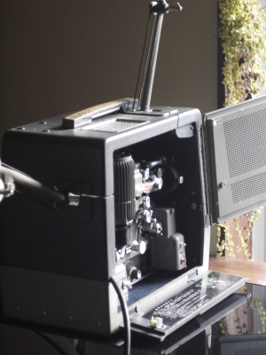 Filmosound 7302 16mm sound projector 01