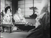 河部五郎(中央)と原駒子(左)