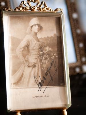 labass-juci-1910s-autographed-postcard-01_s