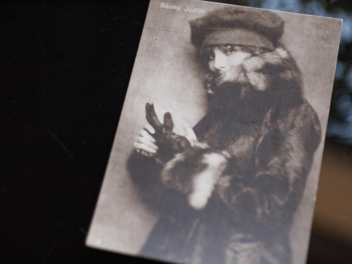 Bánky Judit mid 1910s Postcard [Színházi Élet] 01