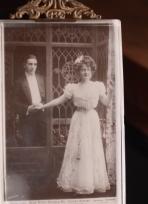 billie-burke-1909-autographed-postcard-03