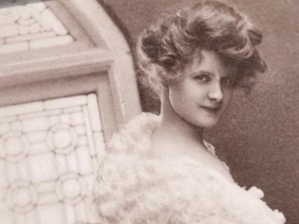 billie-burke-1909-autographed-postcard-05