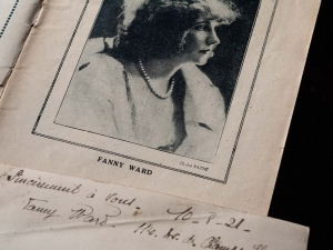 Fanny Ward's French Inscription dated Aug. 10 1921